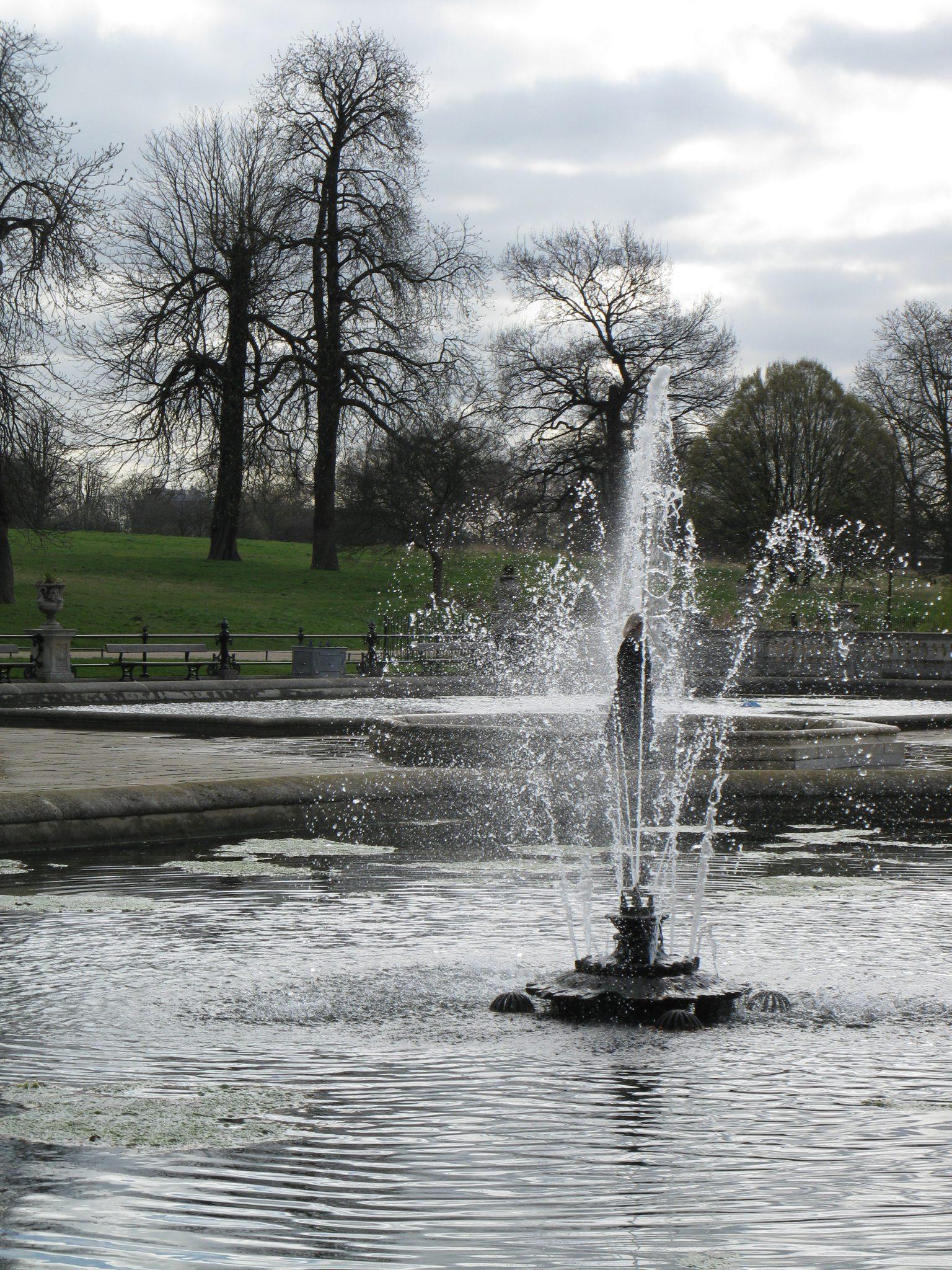 Fontána v Kensingtonských záhradách