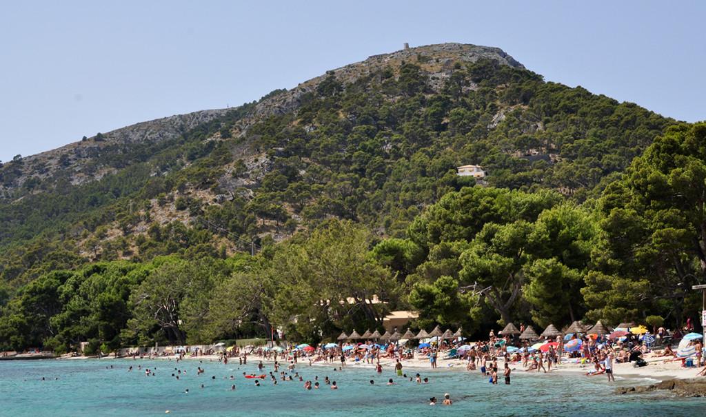 Malorka, plná pláž Formentor