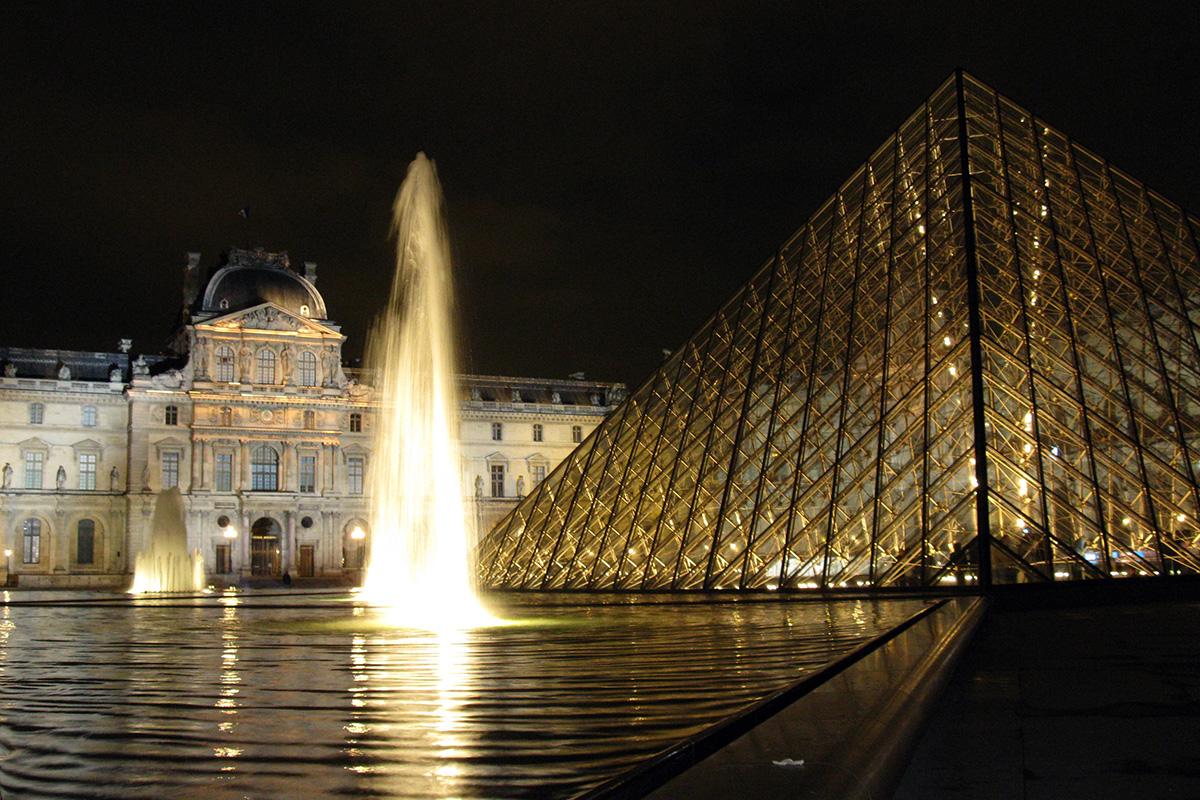Louvre fontána, Paríž - Francúzsko