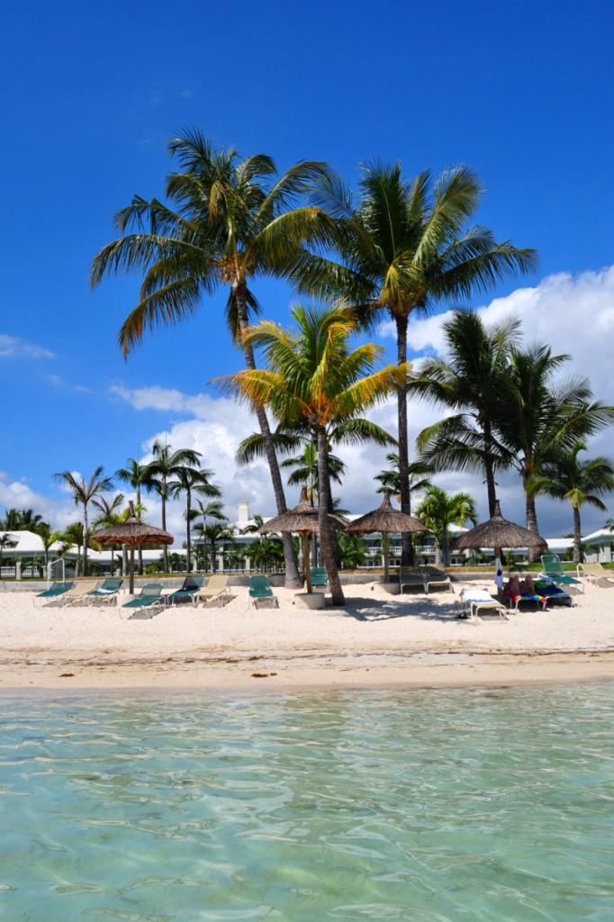 pláž pri hoteli Sugar Beach Resort