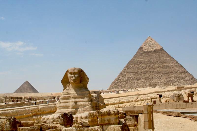 Sfinga a pyramídy v Egypte