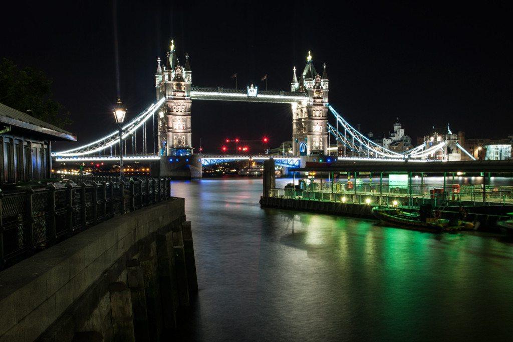 Londýn - tower bridge v noci