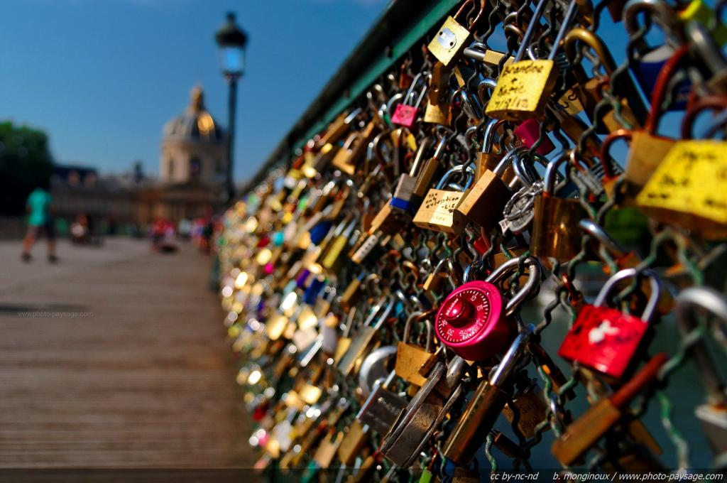 Paríž – mesto zaľúbencov a zámky lásky
