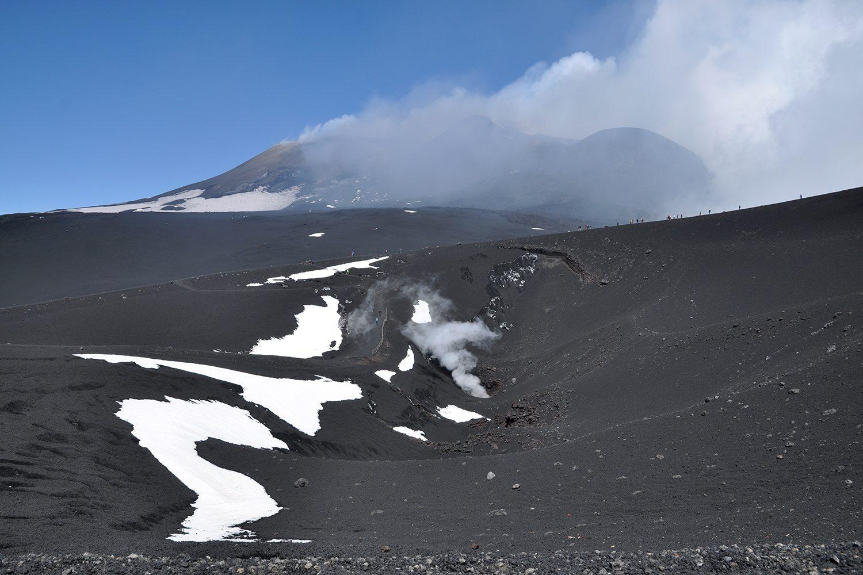 Etna - vodná para z krátera