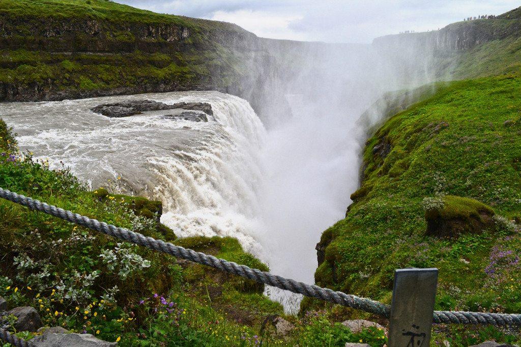 Island - Vodopády Gullfoss