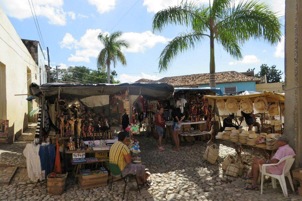 Trinidad - trhy a suveníry