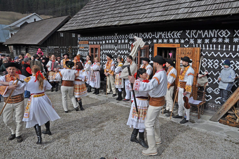 Čičmany - tradičné slovenské fašiangy