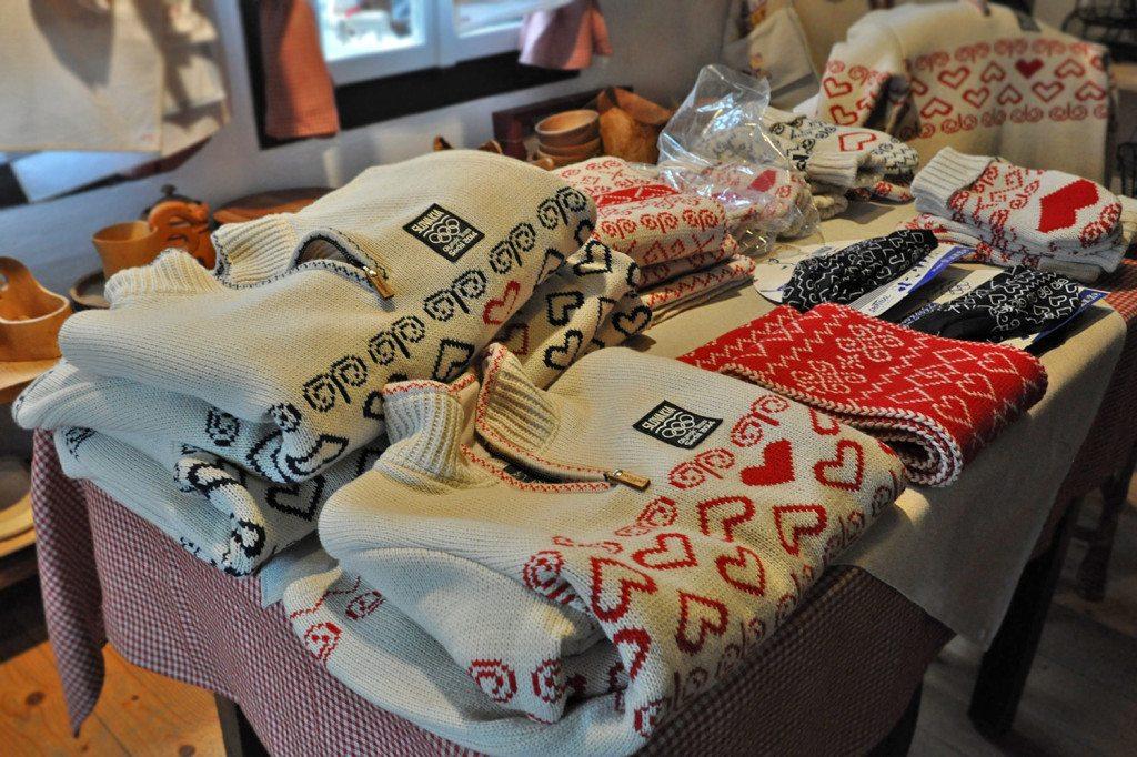 čičmanský vzor - olympijské oblečenie