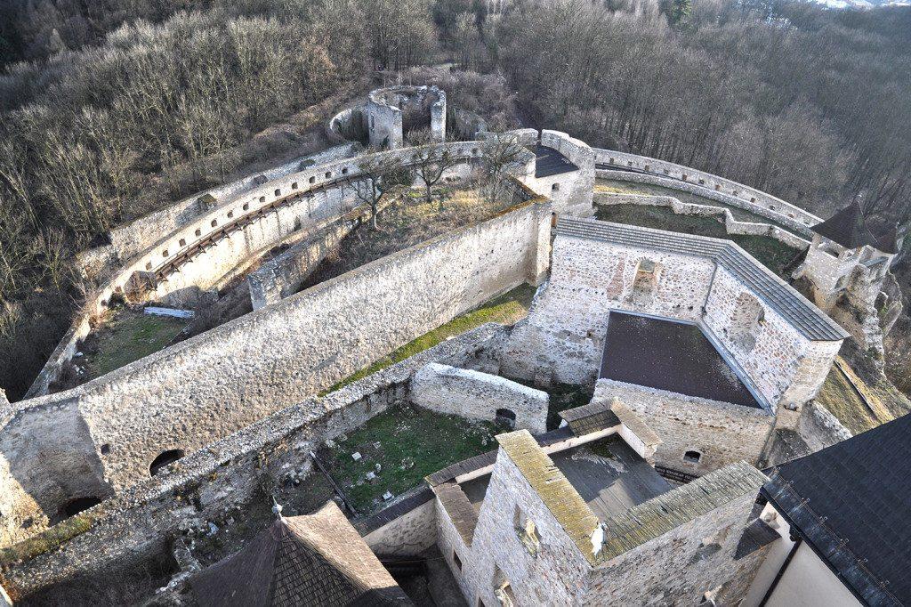 južné opevnenie trenčianskeho hradu