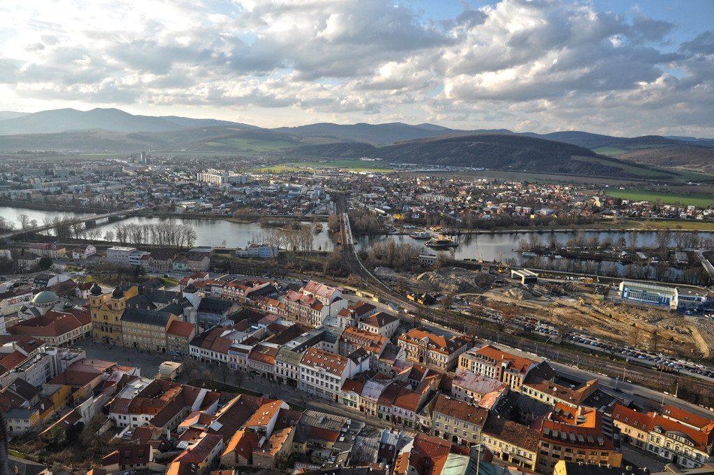 Trenčín - výhľad z Trenčianskeho hradu
