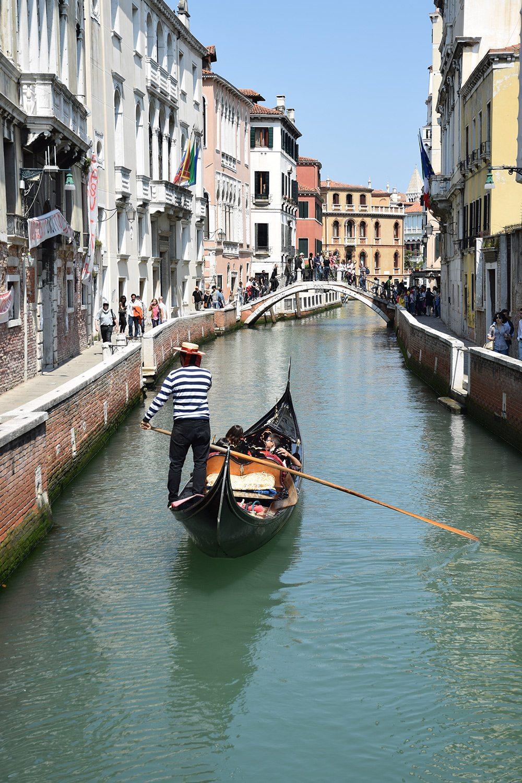 Benátky - plavba gondolou