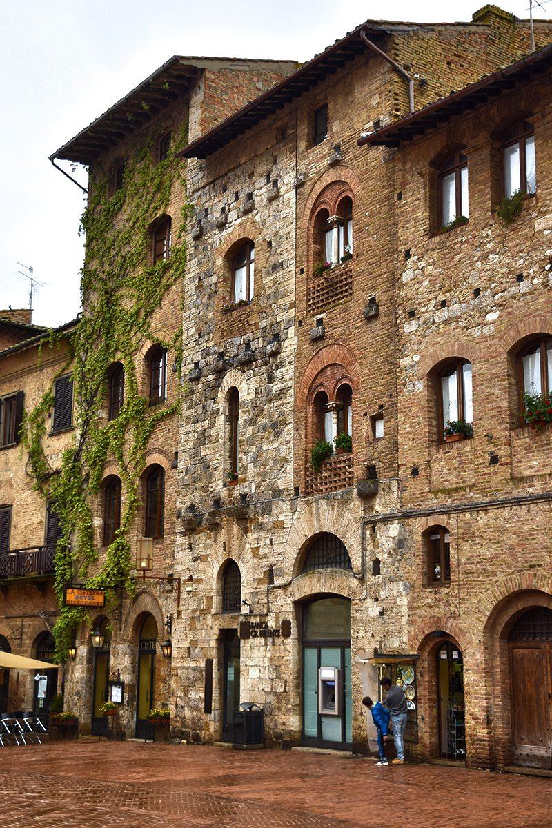 san gimignano budovy
