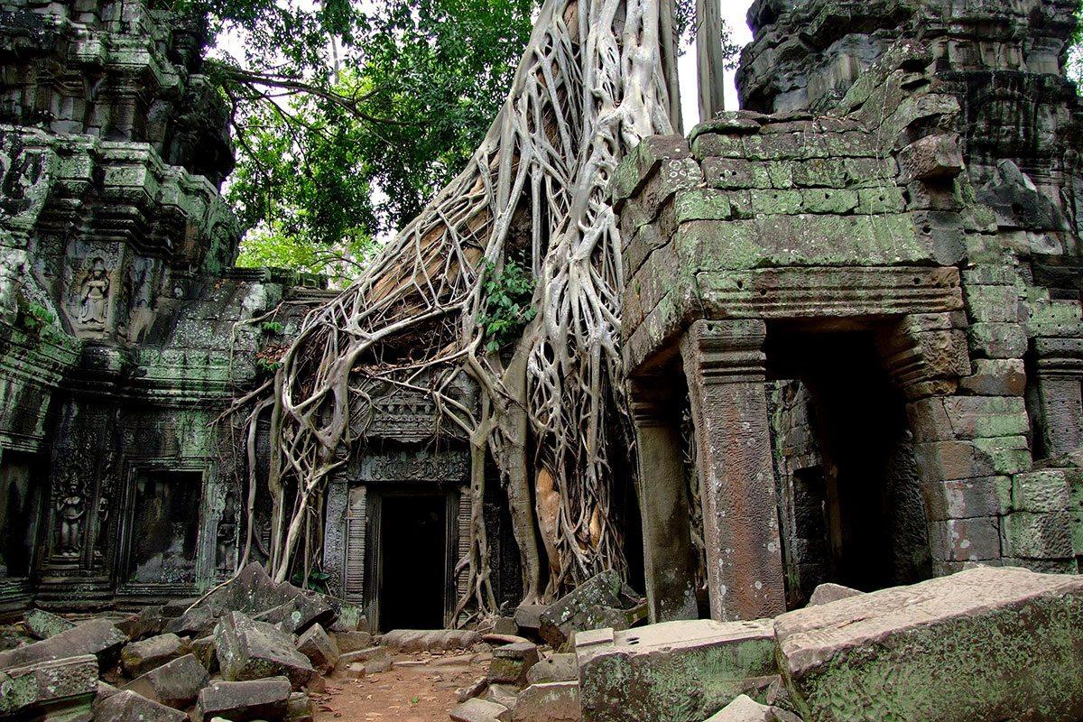 staré chrámy vo Vietname a Kambodži