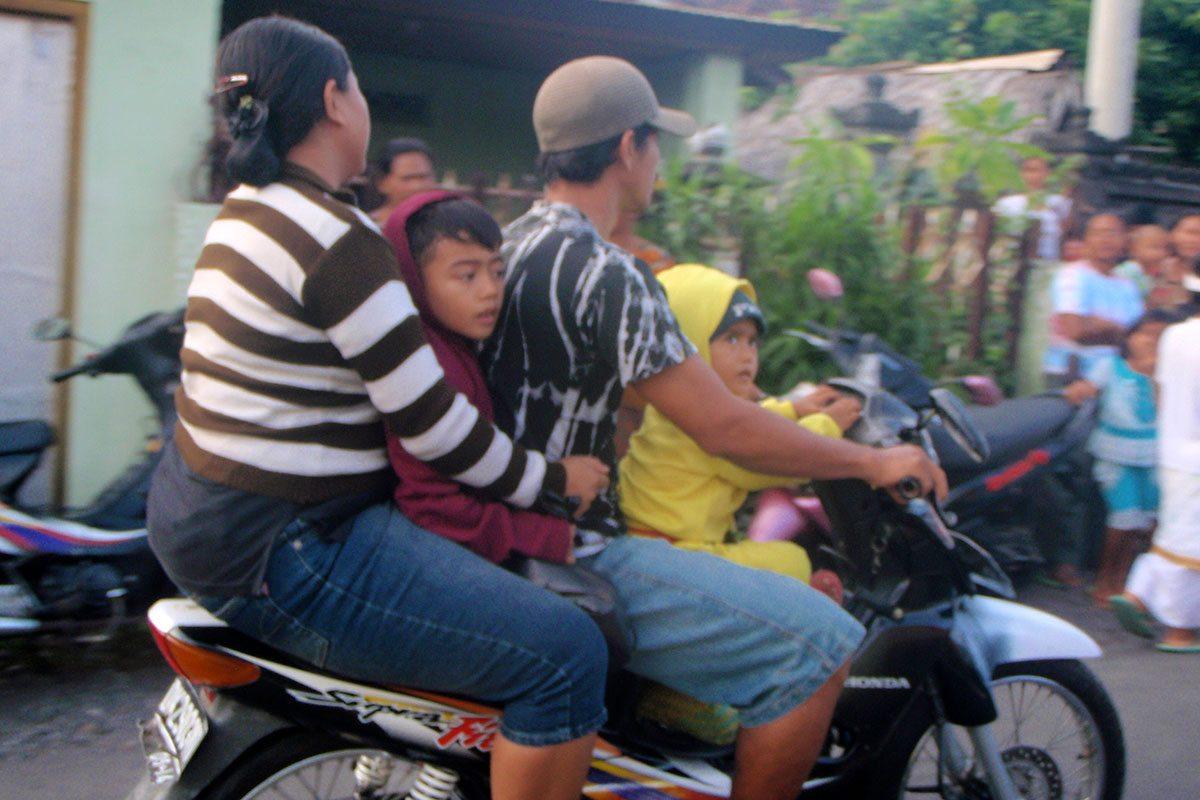 Rodinka na motorka, aneb cestovanie na Bali