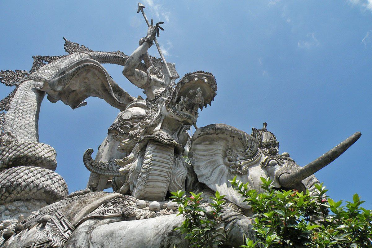 Krásne stavby a sochy