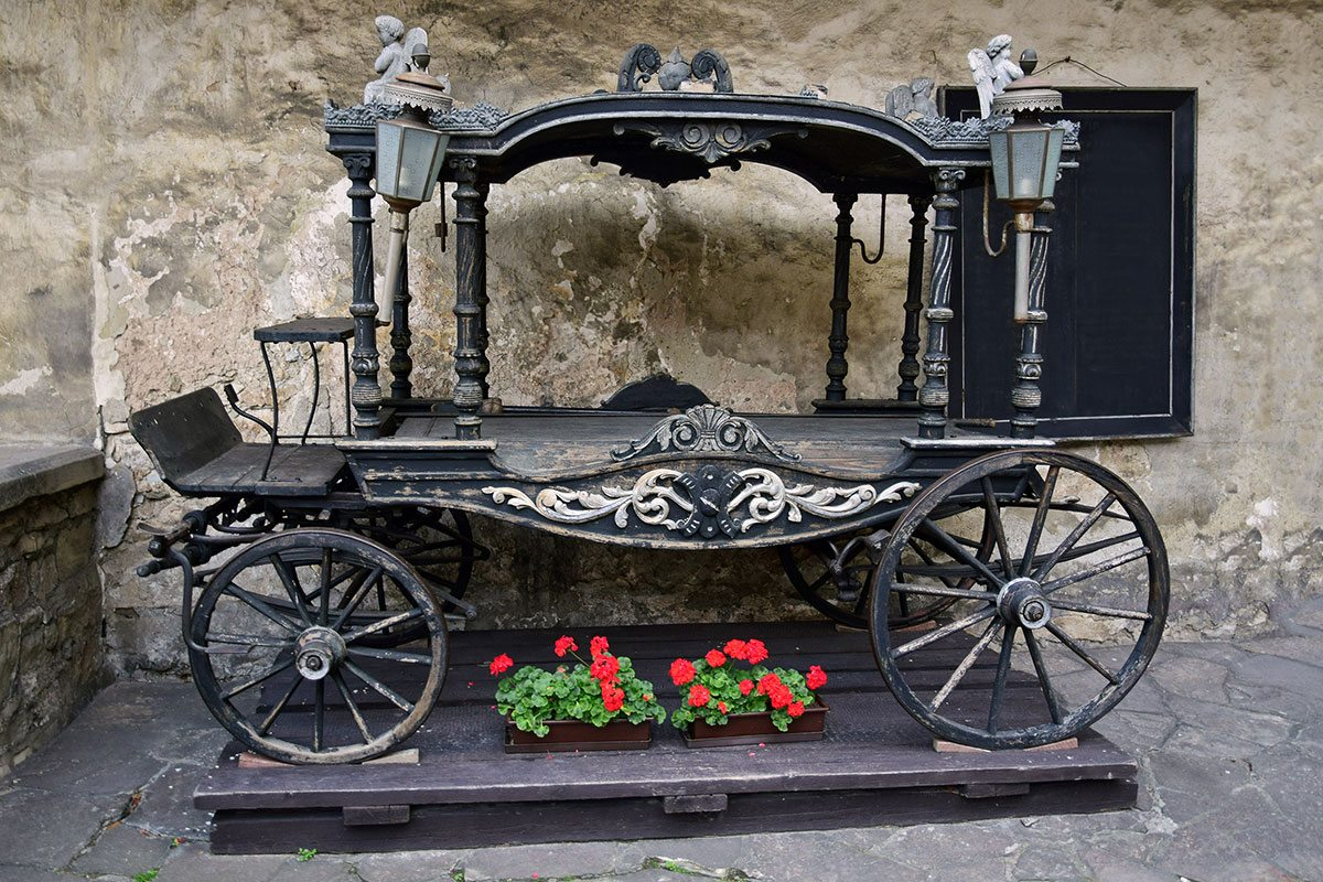 fairy tale chariot