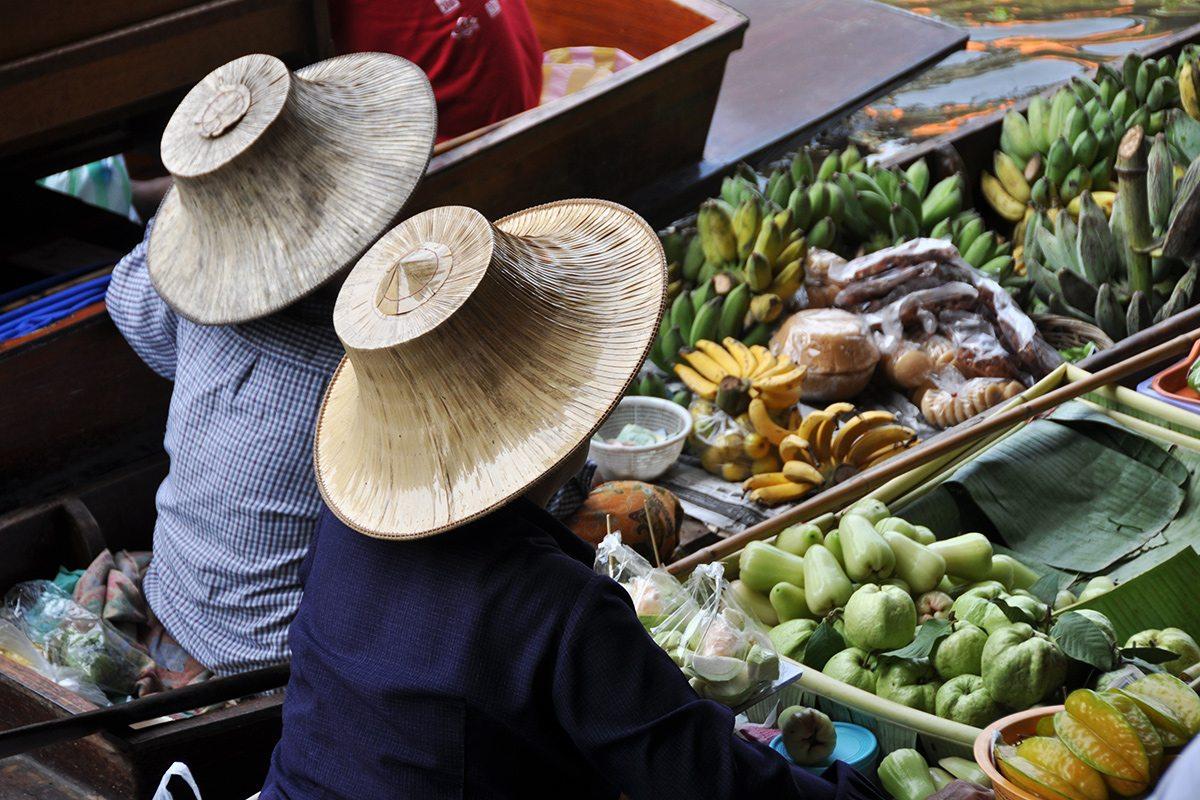 Plávajúce trhy v Thajsku
