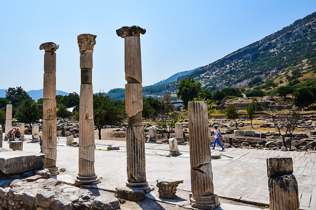 mramorove stlpy v Efeze
