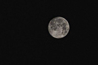 hvezdáreň mesiac