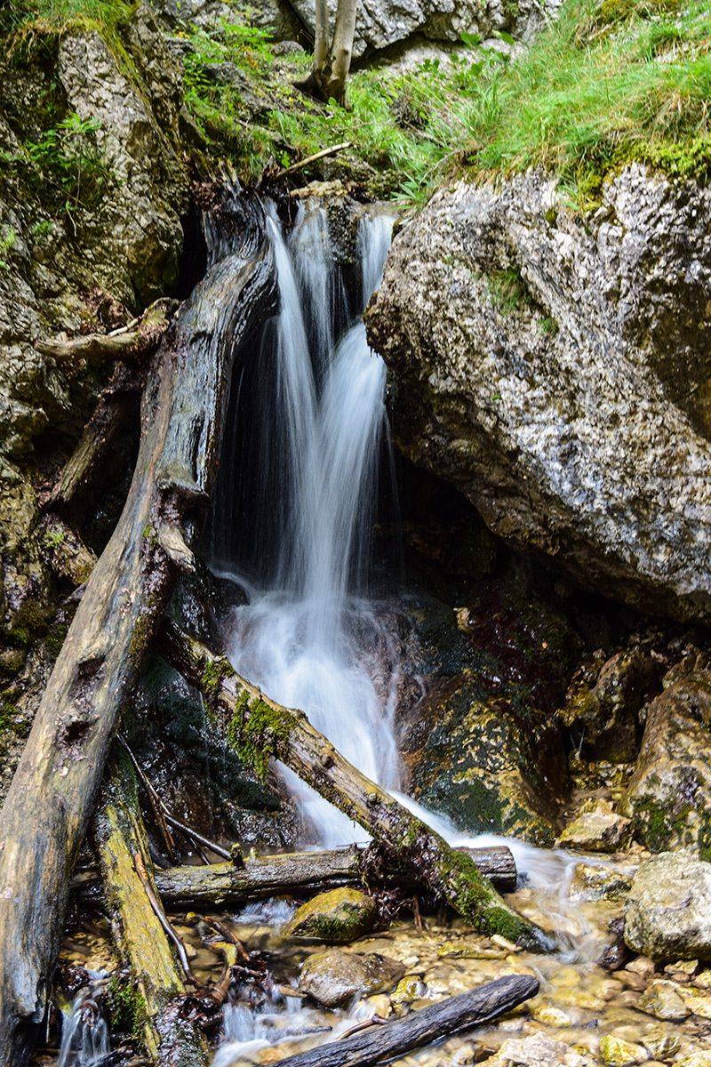 vodopád diery