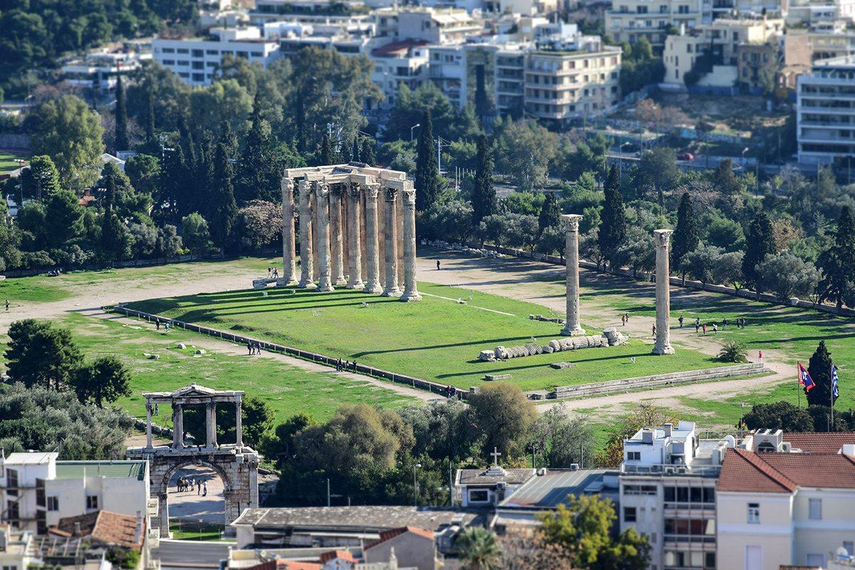diov chrám a hadrianov oblúk z akropoly