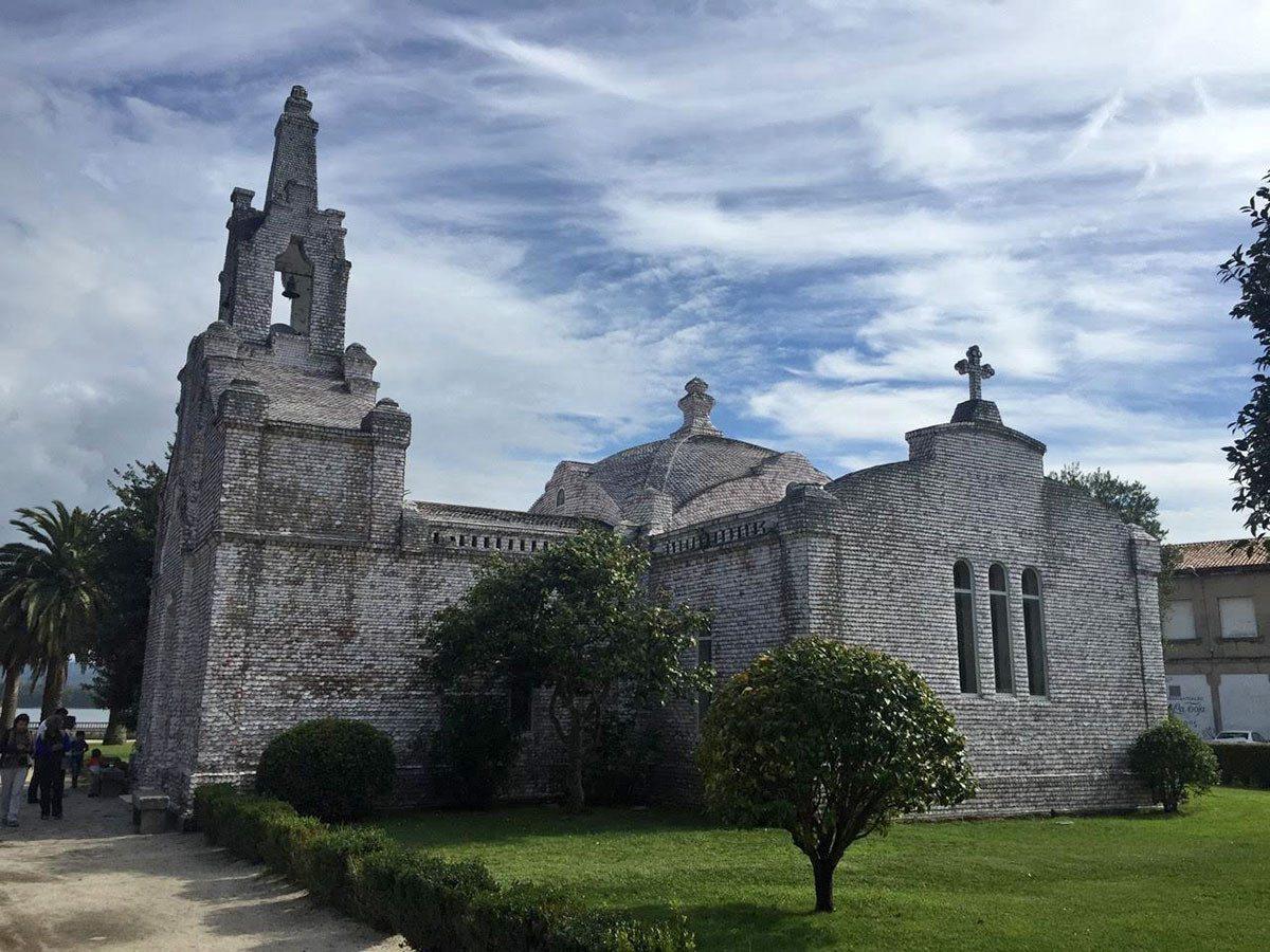 Kostol - Iglesia de las Conchas