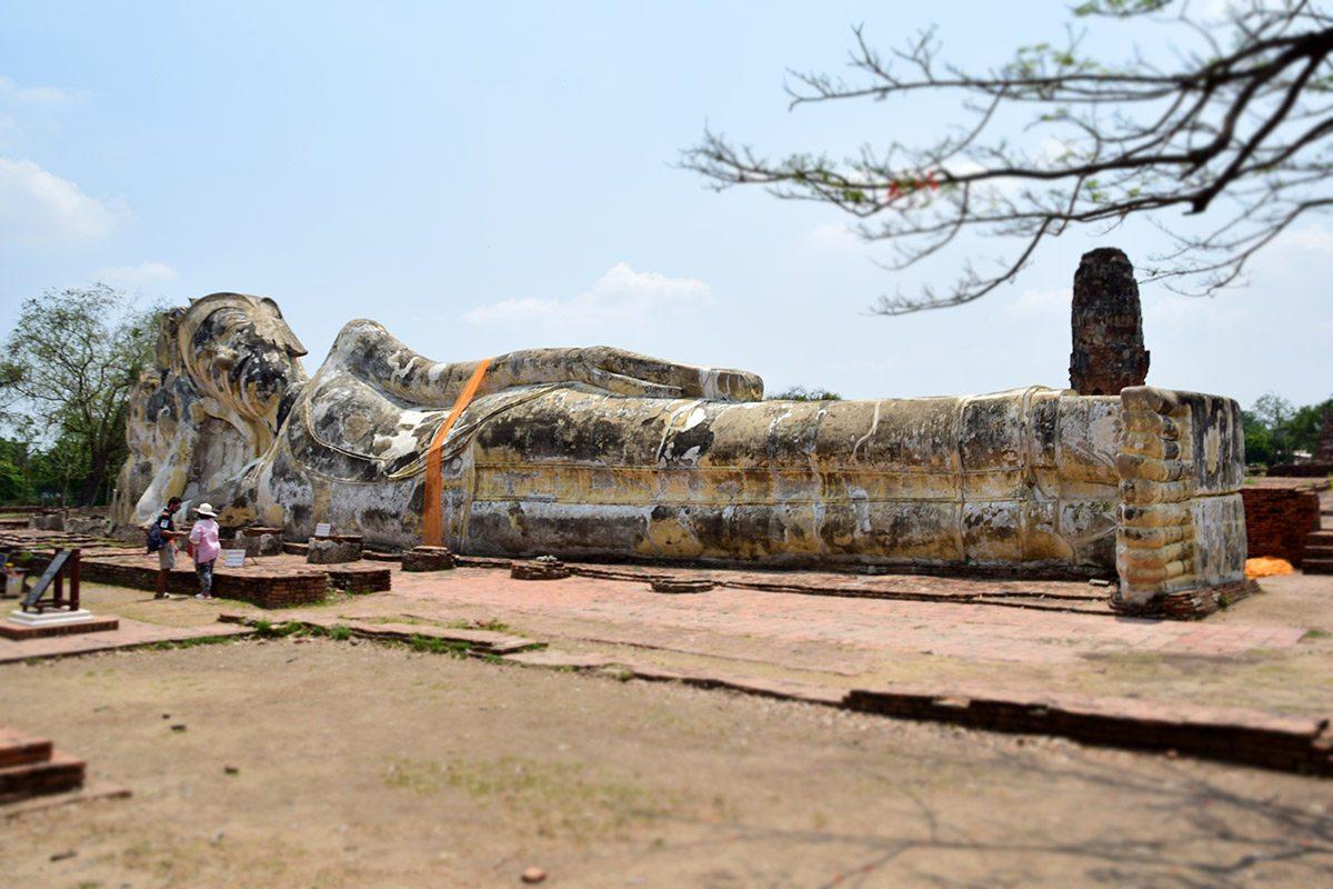 ležiaci budha Wat Lokkayasutharam
