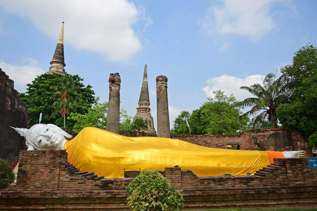 Ležiaci Budha