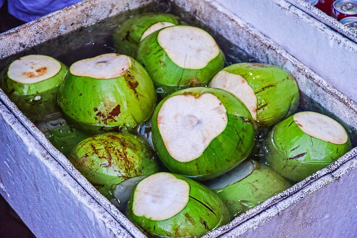 čerstvé kokosové orechy
