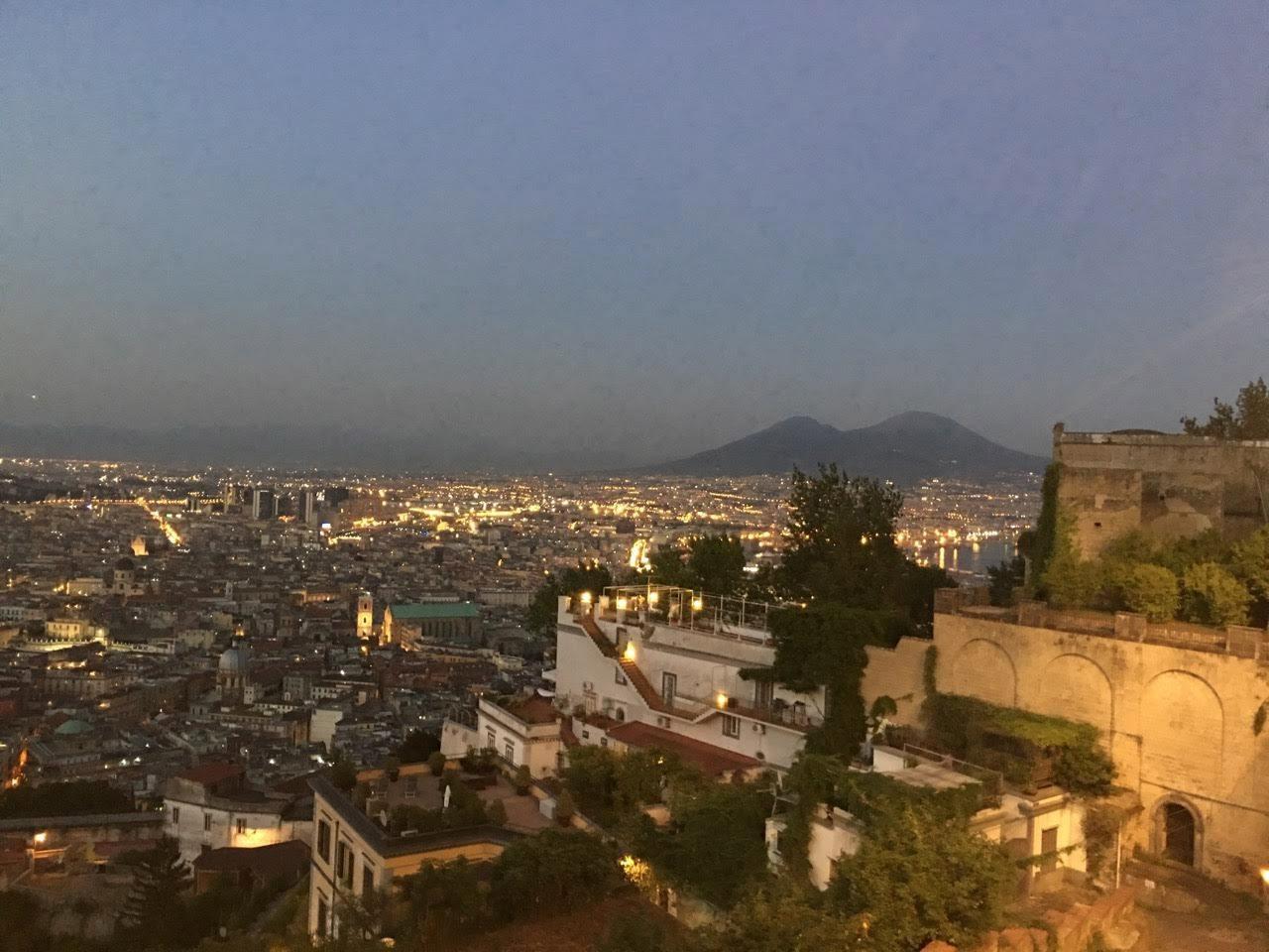 Neapol z Castel Sant Elmo