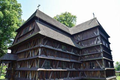 Hronsek - drevený kostol UNESCO