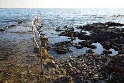 Poreč - kamenné pláže