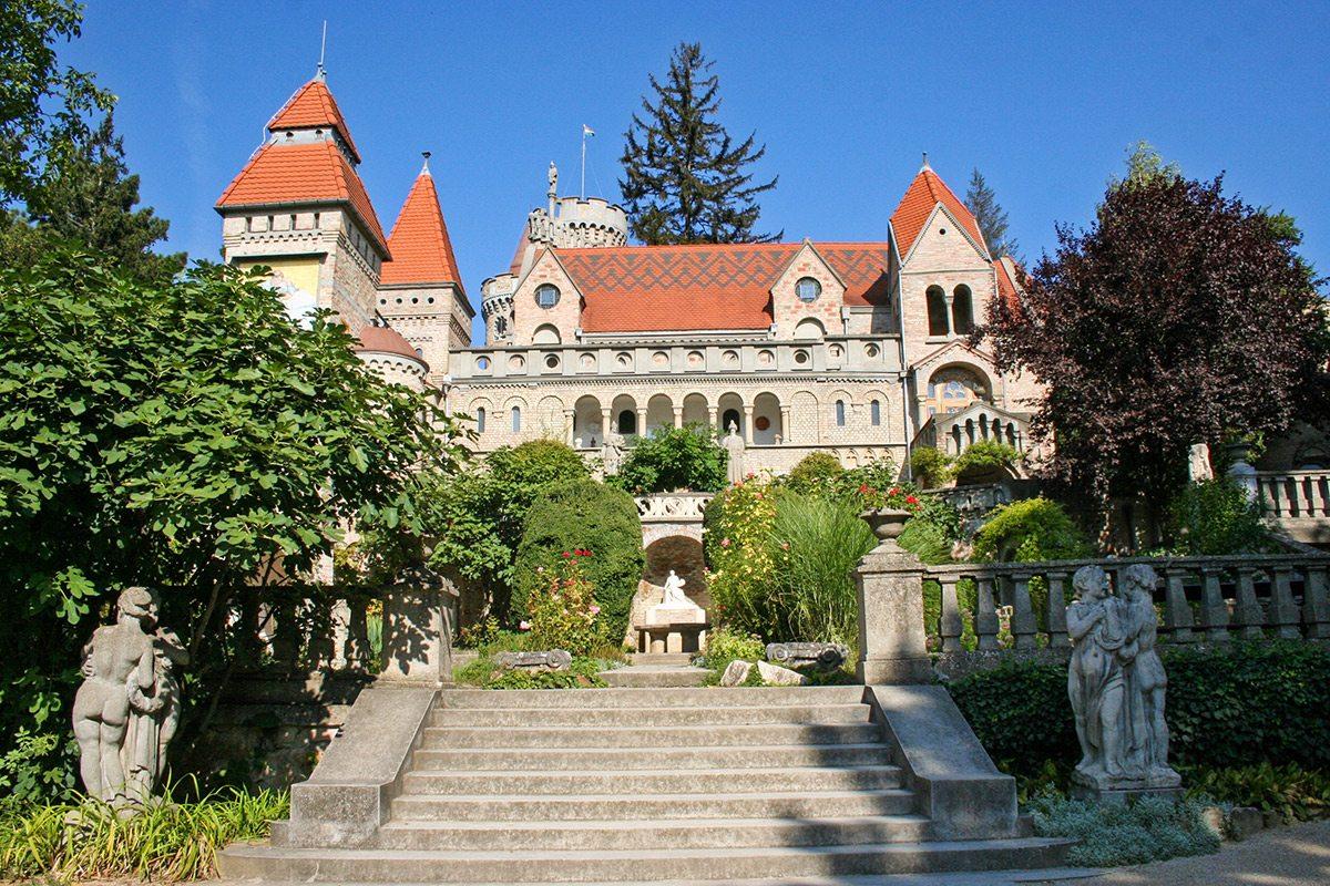schodisko a hrad