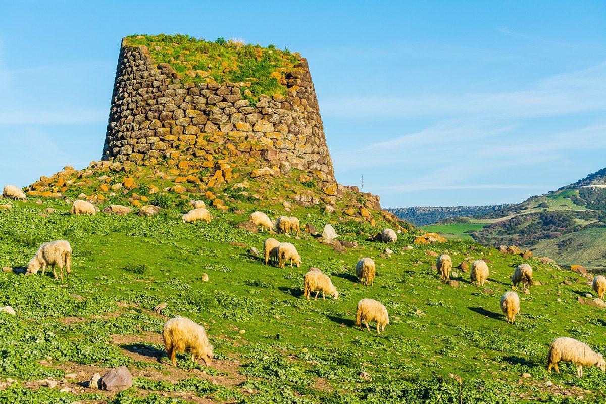 Sardínia - historické stavby Nuraghi