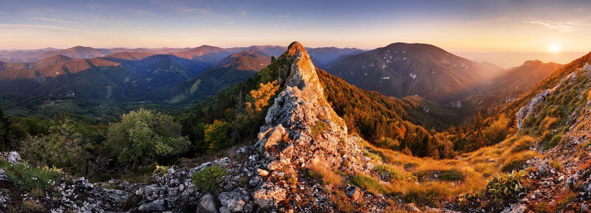 Gaderská a Necpalská dolina z Kozej skaly