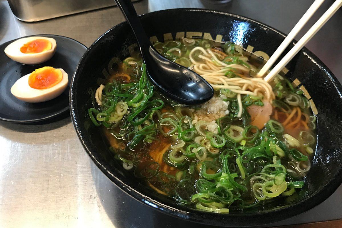 ramen polievka - čo ochutnať v Japonsku