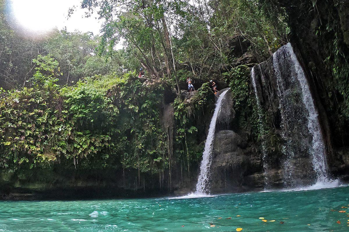 Cebu - vodopády kawasan falls